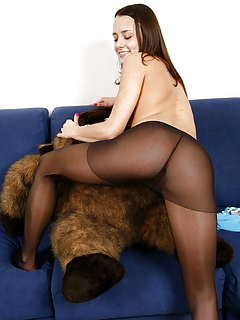 Free Pantyhose Porn Movies and Free Pantyhose Sex Pictures