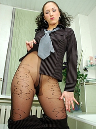 Freaky office babe rips her laddered hose before changing into a new pair pictures at lingerie-mania.com