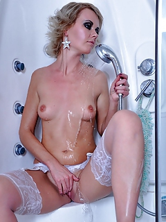 Free Shower Porn Movies and Free Shower Sex Pictures
