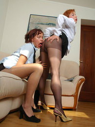 Red hot secretary babes crying out for lick-n-kiss through nylon pantyhose pictures at very-sexy.com