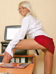 Upskirt secretary in smooth pantyhose fervently fondling her delicious muff pictures at kilogirls.com