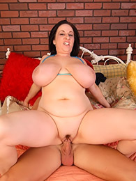 Huge boobs BBW sucks a dick pictures