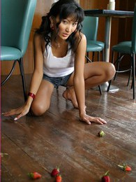 Angela Lin pictures at kilotop.com