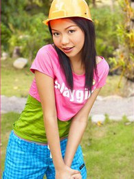 Chelsea Yung pictures at sgirls.net
