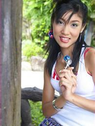 Yoko Hasegawa pictures at kilosex.com