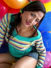This birthday clown is improving her balloon work pictures at sgirls.net