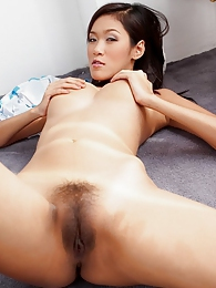 Busty Asian soccer babe Irene Fah pictures at freekilomovies.com
