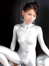 Naomi Chattee covers her body in silver paint pictures at lingerie-mania.com