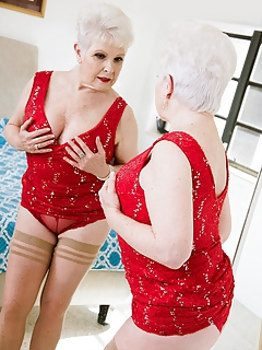 Free Granny Porn Movies and Free Granny Sex Pictures