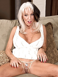 Sally D'angelo's First Bbc pictures at find-best-lingerie.com