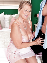 Joanne Price Is Right pictures at find-best-mature.com