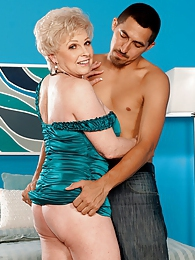 Hey, Jewel, Does Your Husband Know? Yes, He Does pictures at relaxxx.net