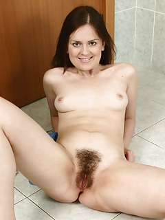 Free Hairy Sex Pictures and Free Hairy Porn Movies
