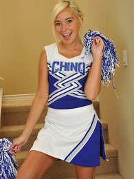 Spunky blond cheerleader Kaylee Hayee strips naked pictures at lingerie-mania.com