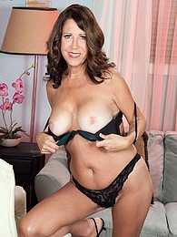The busty 50something from Delaware pictures at kilotop.com