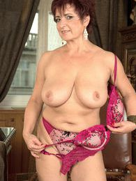 The Busty Divorcee Is Hot pictures