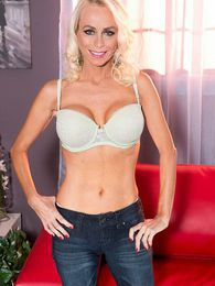 Brandi Gives Us Her Pussy And Asshole To Jack On pictures at kilotop.com