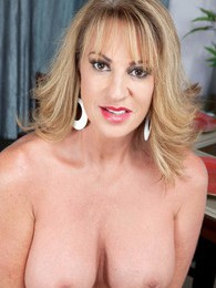 Annette Wants To Watch You Jack Off pictures at sgirls.net