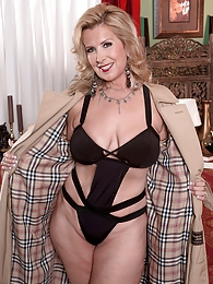Milf Undercover pictures at dailyadult.info