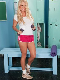 Samantha Ray's Training Day pictures at sgirls.net