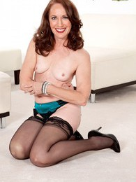 The MILF-next-door takes the plunge pictures at dailyadult.info