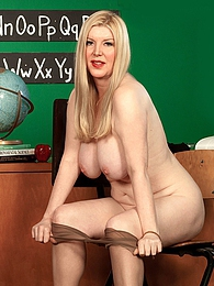 Fulfilling Her Favorite Fantasies pictures at dailyadult.info