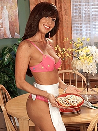 Tara Is Smokin pictures at find-best-lingerie.com