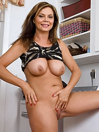 Ginger Taylor pictures at kilovideos.com