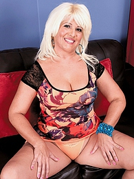 The Big-assed Latina Milf And The Big Cock pictures at dailyadult.info