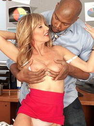 98-pound Milf Takes On A Giant, Black Cock pictures at kilotop.com