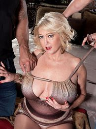 Busty MILF of the Month pictures at reflexxx.net