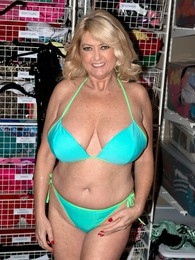 Bra Time pictures at kilotop.com