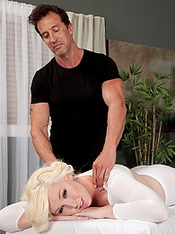 Massage Therapy pictures at kilogirls.com