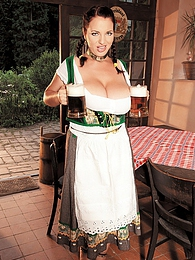 Oktoberbreast pictures at kilosex.com