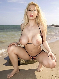 Beach Baby pictures at find-best-ass.com