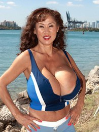 Minka On South Beach pictures