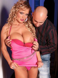 Deep In The Pink pictures at sgirls.net