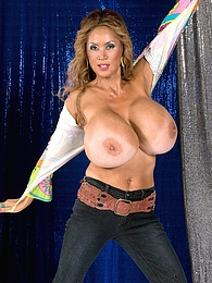 Saturday Night Boob Fever pictures at kilosex.com