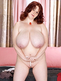 Plumper Of The Year pictures at kilovideos.com