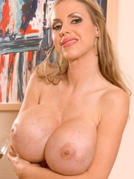 Wunder Boobs pictures at sgirls.net