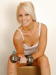 Blonde babe getting naked at the gym pictures at lingerie-mania.com
