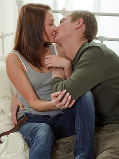 Free Kissing Porn Movies and Free Kissing Sex Pictures