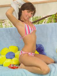 Teen cutie Jamie stripping and spreading her delicious slit pictures at dailyadult.info