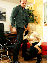 A hotshot nailing a blonde beauty with his big hard dick pictures at adspics.com