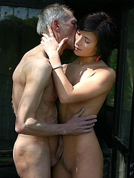 Old senior hunter fucking a brunette beauty in the wild pictures at kilotop.com