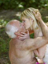 Very horny old hotshot drilling a willing unclothed blonde pictures at adspics.com