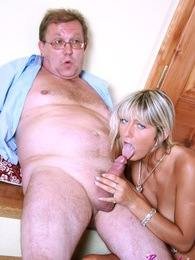 Hard senior penis getting sucked by a cockhorny blonde girl pictures at adspics.com