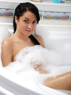 Free Bathroom Sex Pictures and Free Bathroom Porn Movies