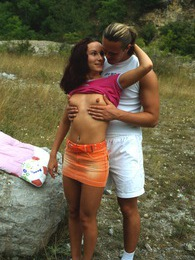 Hotshot enjoys nailing a willing pretty teenager outdoors pictures