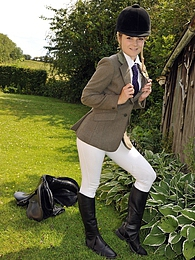 Horse riding babe enjoys stroking her wet cooter outdoors pictures at nastyadult.info